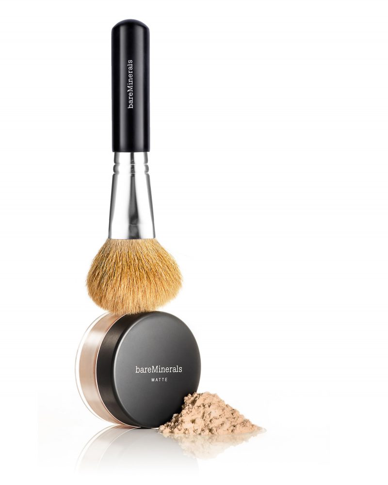 Ian Knaggs Commercial Packshot Photographer - Bare Minerals Powder Brush