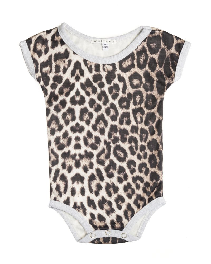 Ian Knaggs Commercial Packshot Photographer - Wolfcub Baby Clothing