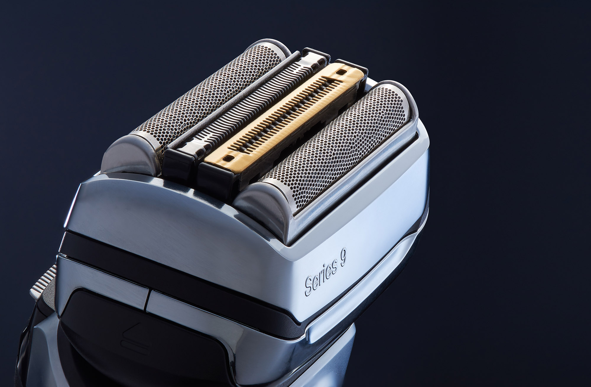 Ian Knaggs Commercial Product Photographer - Braun Shaver Close Up