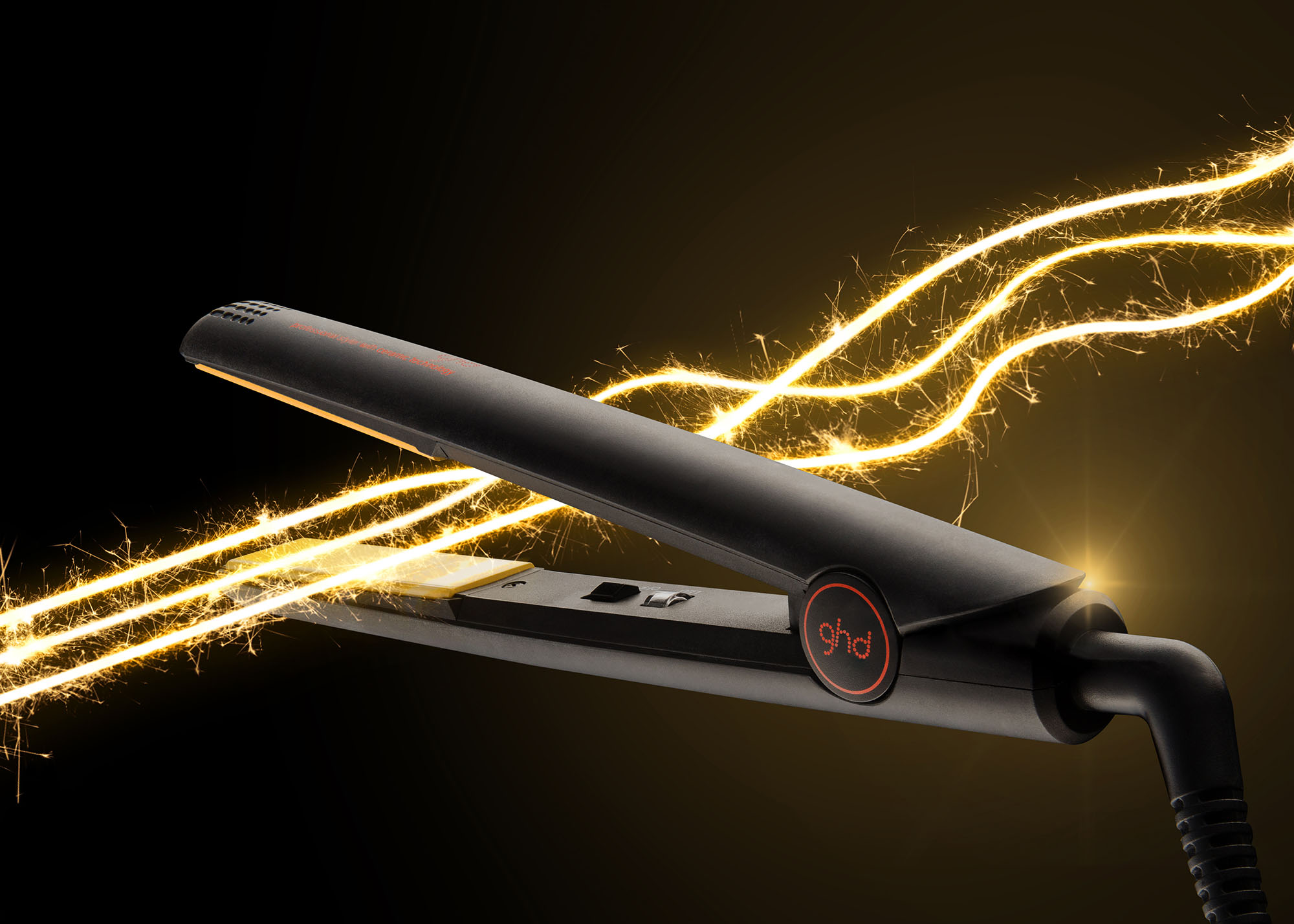 Ian Knaggs Commercial Product Photographer - GHD straighteners with Sparklers