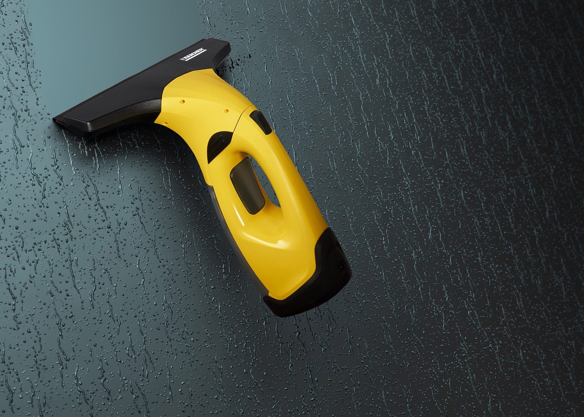 Ian Knaggs Commercial Product Photographer - Karcher Window Vac