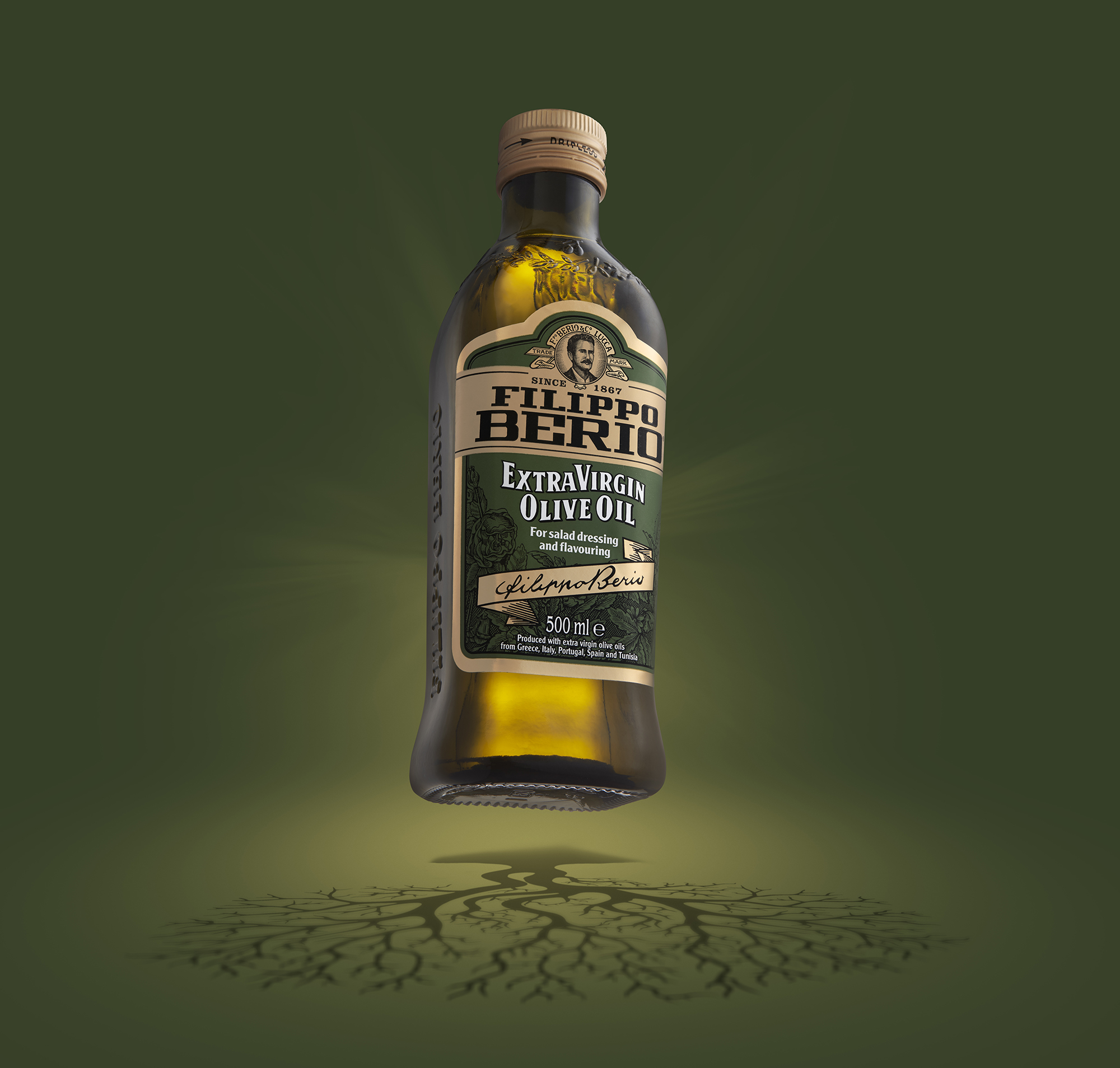 Advertising product image of Olive Oil bottle by photographer Ian Knaggs